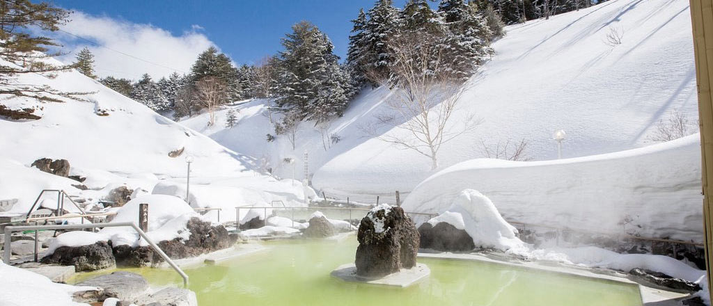 япония, манза онсэн, manza onsen, winter, зима, снег, горы, гостиница, Manza Prince Hotel, ванна, онсен, горячий источник