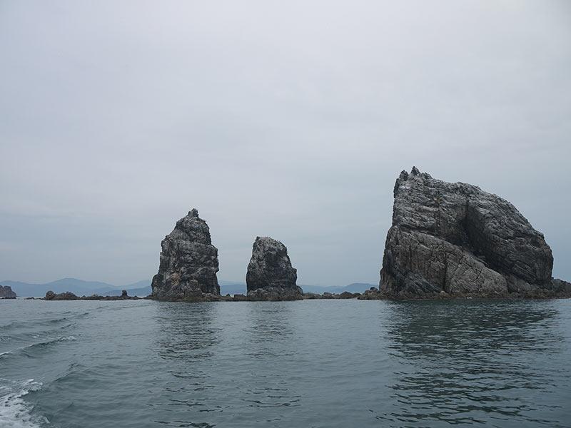 остров Путятина, приморье, Кекуры пять пальцев, скалы, море
