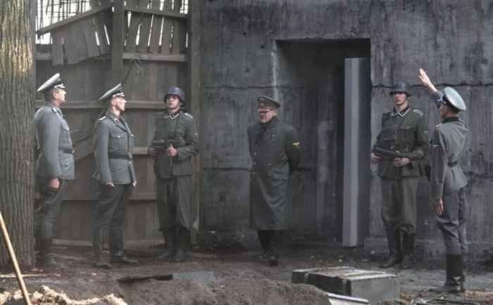 Гитлер в бункере Рейхсканцелярии