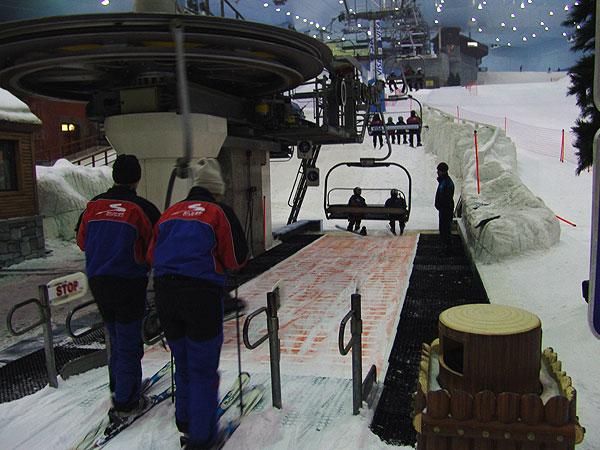 ski_dubai_chairlift