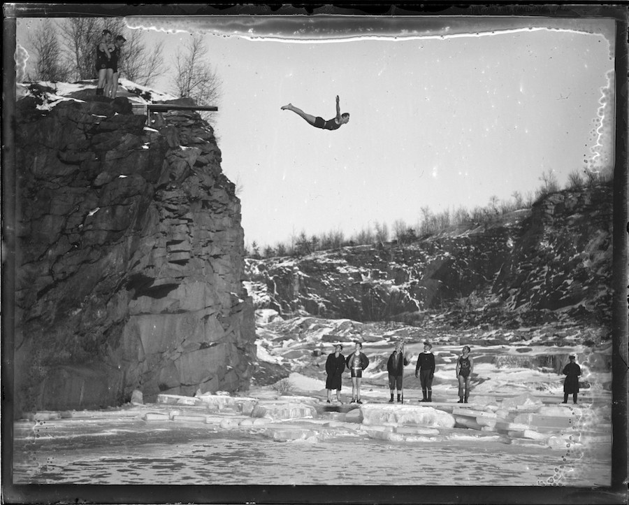 Ice-Diver-1