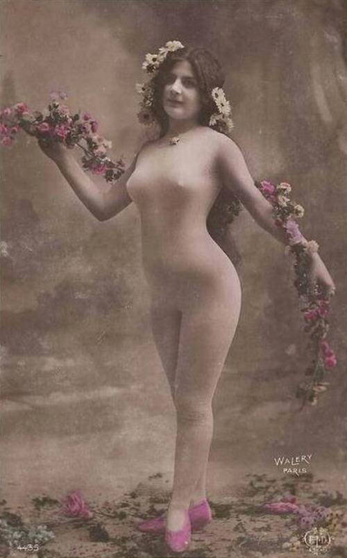 vintage-cabaret-girls-38-dc