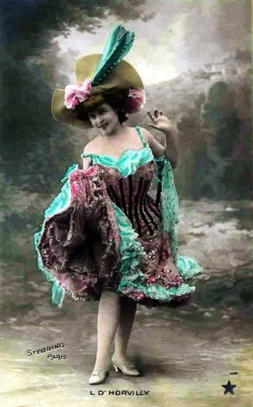 vintage-cabaret-girls-23-zu