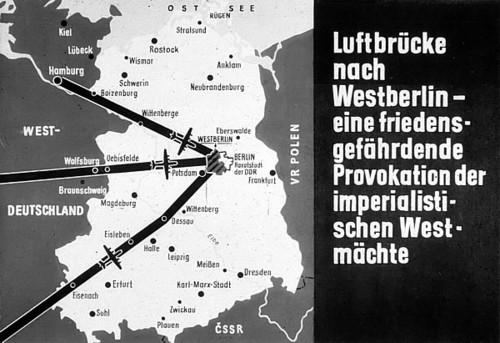 Luftbrucke-nach-Westberlin-eine-firdens-gefährdende-Provocation-der-imperialistischen-Westmächte
