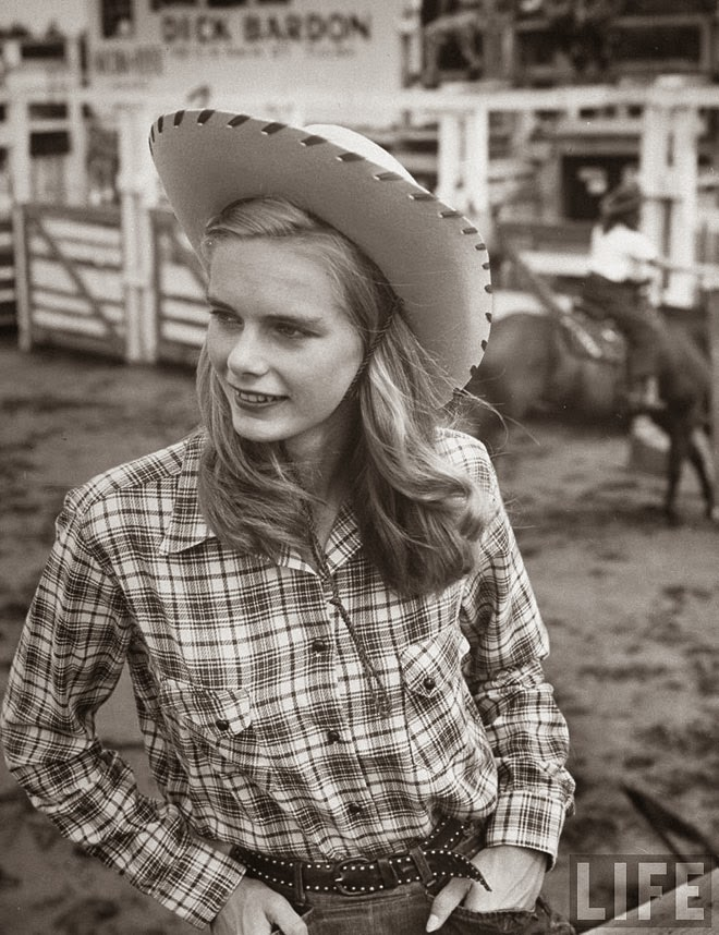 American Cowgirls of the 1940's (1)