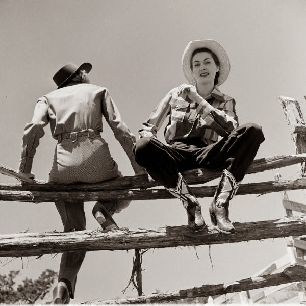 American Cowgirls of the 1940's (9)