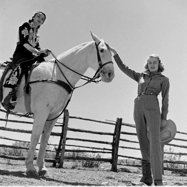 American Cowgirls of the 1940's (11)