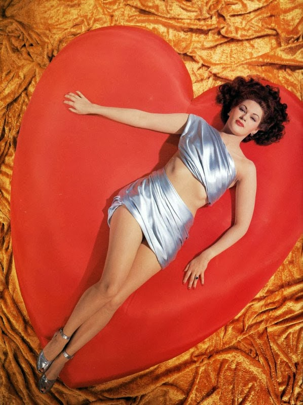 vintage-valentines-day-pinup_yvonne-de-carlo