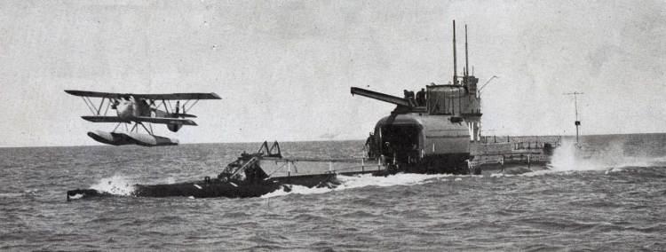 Submarine-Aircraft-Carrier-2