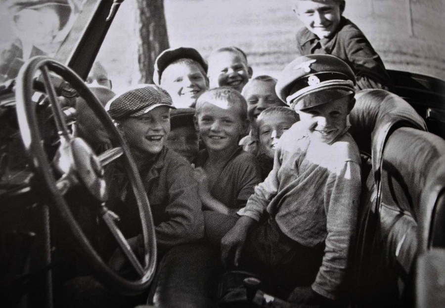 kids_playing_with_an_SS_visor_in_Himmlers_car_N