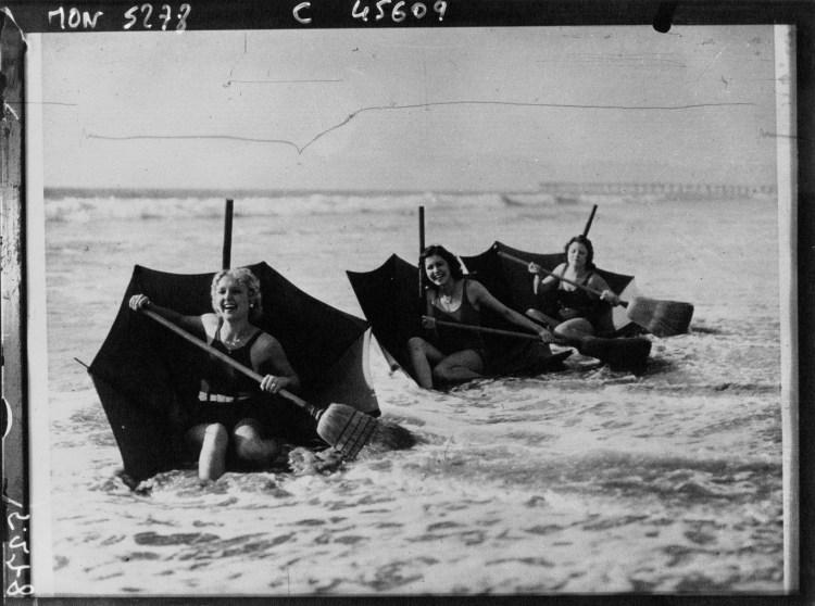 Umbrella-Boats-Broom-Oars-1-e1400063842746