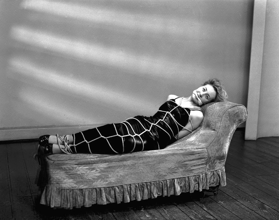 Alternative Bondage Fashion from the 1940's (3)