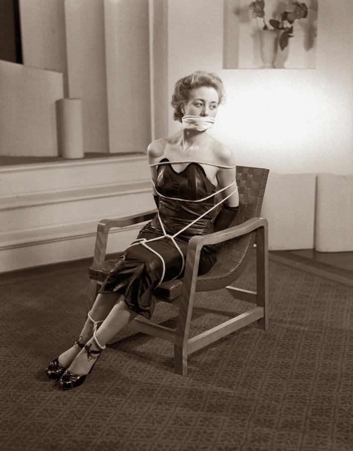 Alternative Bondage Fashion from the 1940's (5)