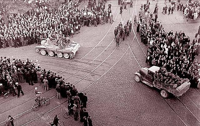 The Soviets enter Riga, Latvia, June 1940