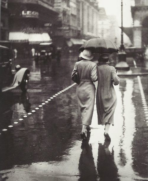 Women walking in the rain, Paris, 1934