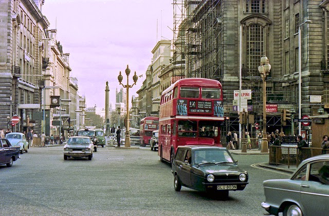 Streets of London in 1975 (33)