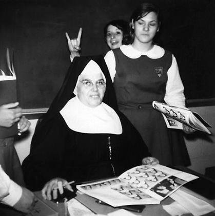 nuns-and-schoolgirls