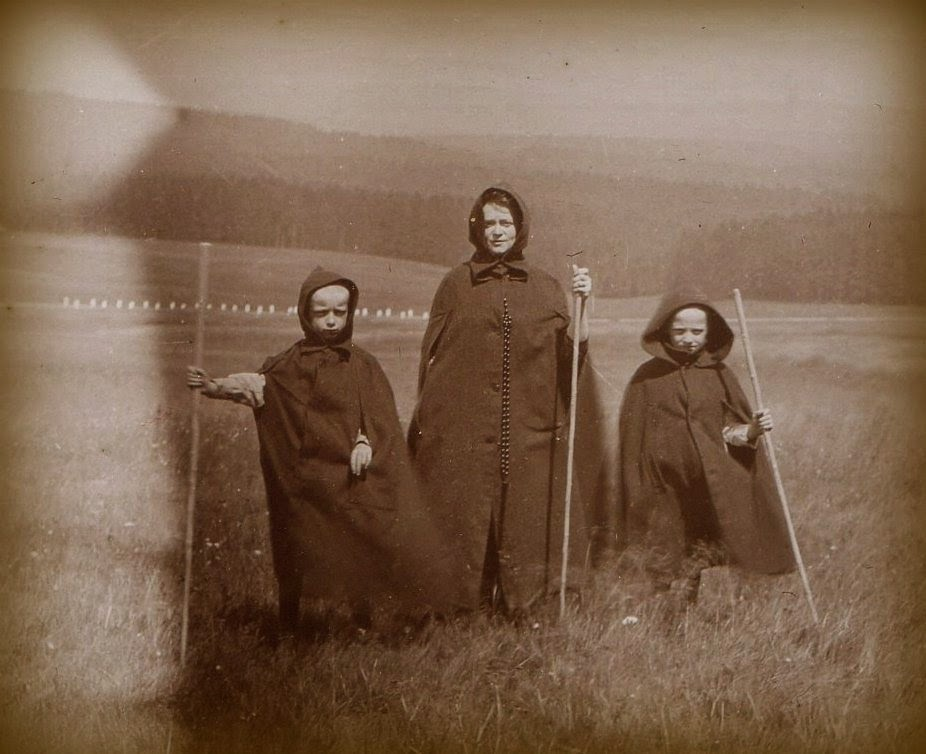 Druid family, UK, ca. 1890s