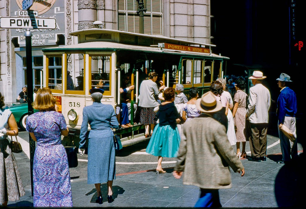 Street Scenes of the USA in the 1950s and 1960s (1)