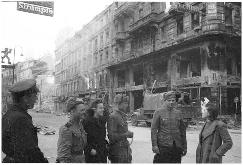 russian-soviet-army-vienna-austria-1945-ww2-second-world-war-two-incredible-pictures-photos-images-019