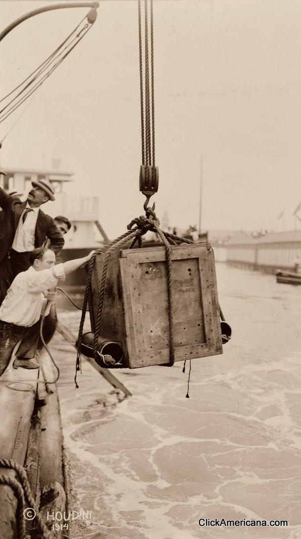 houdini-stunt-1912