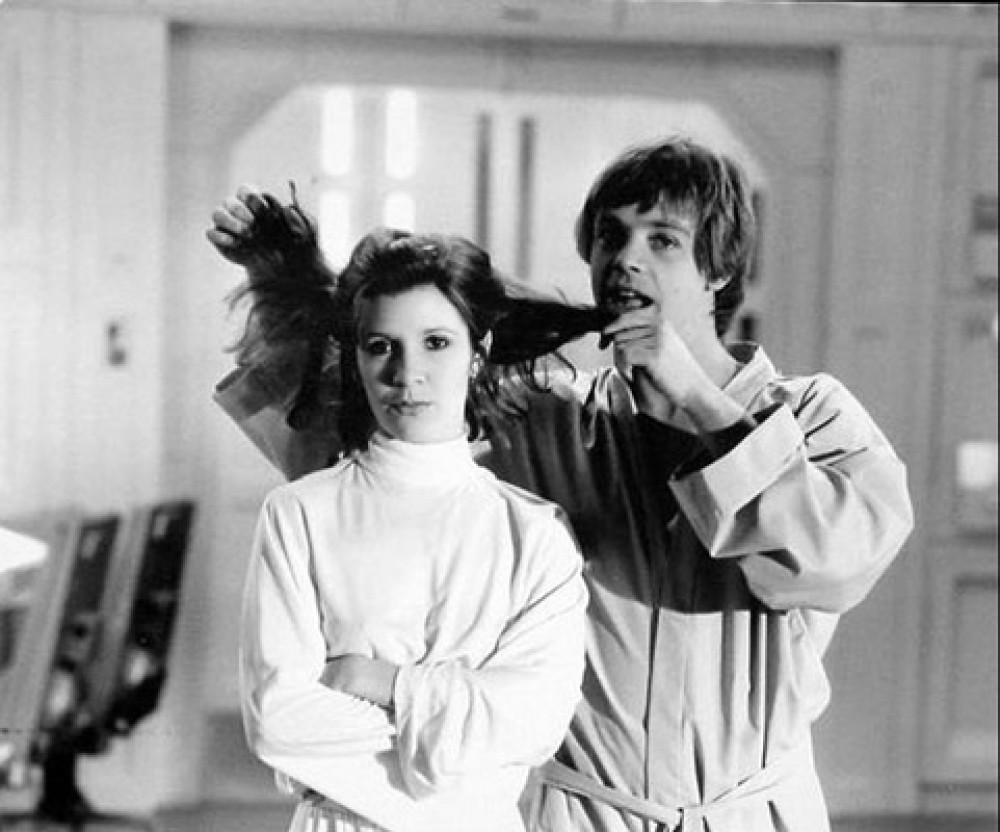 Princess-Leia-behind-the-scenes-starwars11