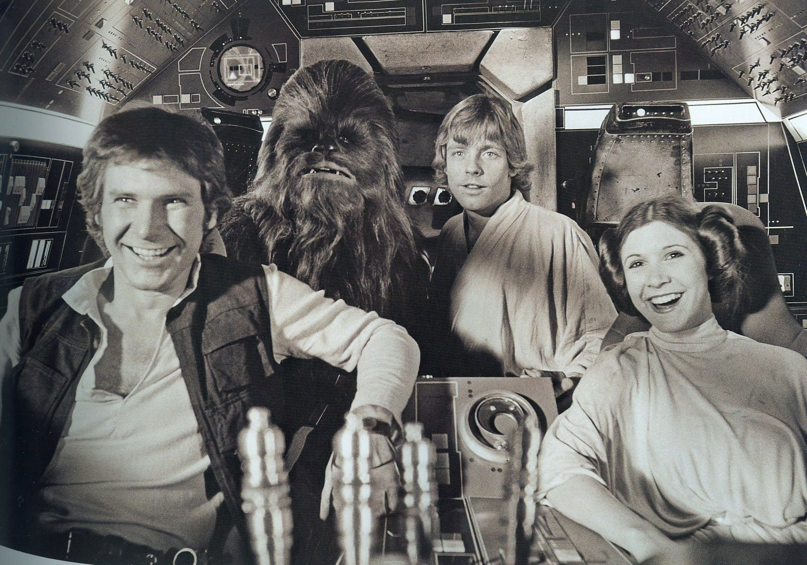 Princess-Leia-behind-the-scenes-starwars9