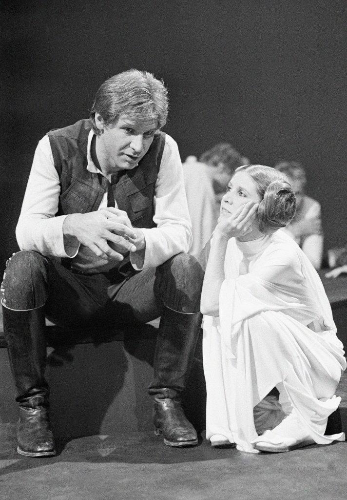 Princess-Leia-behind-the-scenes-starwars3