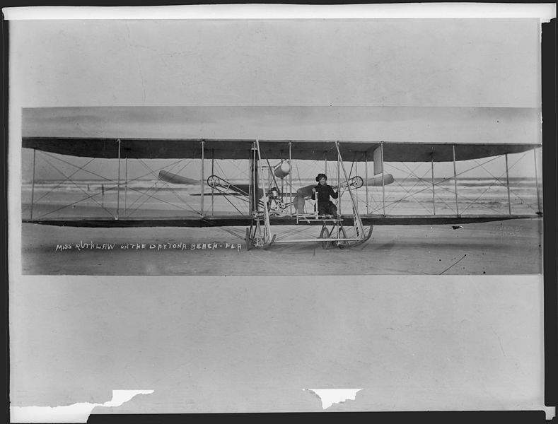 789px-Miss_Ruth_Law_on_the_Daytona_Beach,_Florida._-_NARA_-_518854