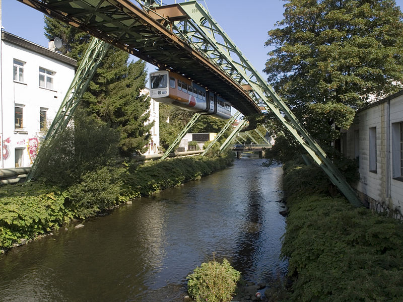 800px-Wuppertal,Schwebebahn