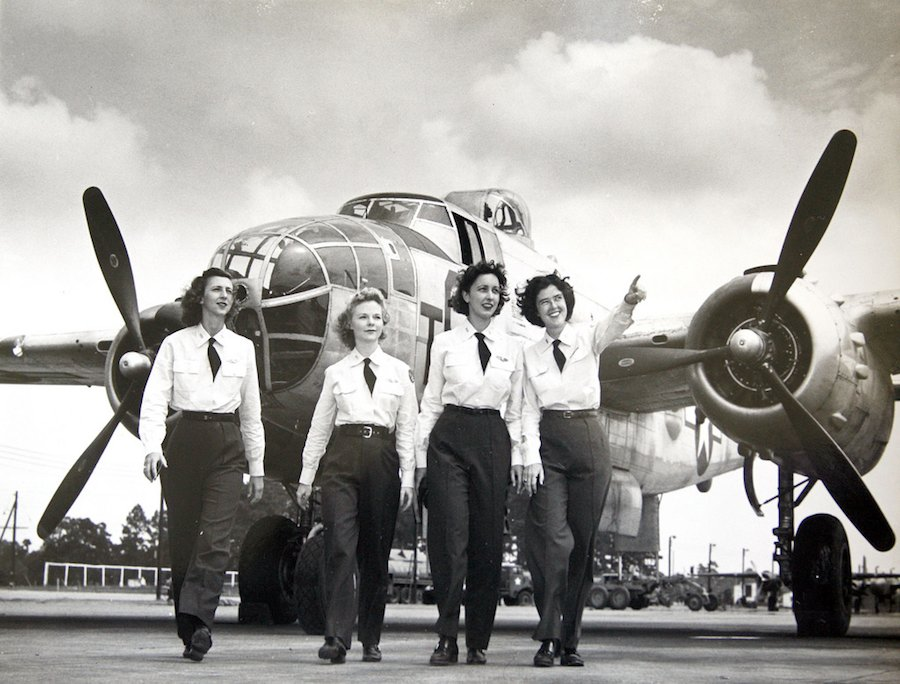 female-air-force-engineering-test-pilots-63595cbbd36a4fdb