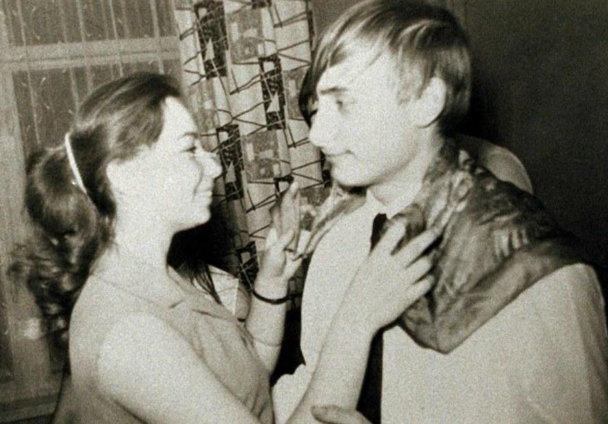 История в фотографиях - Старшеклассницы, 1969(советская версия)