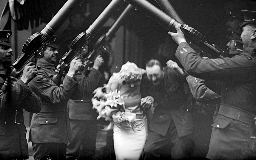 WW1WEDDING2_2714622k