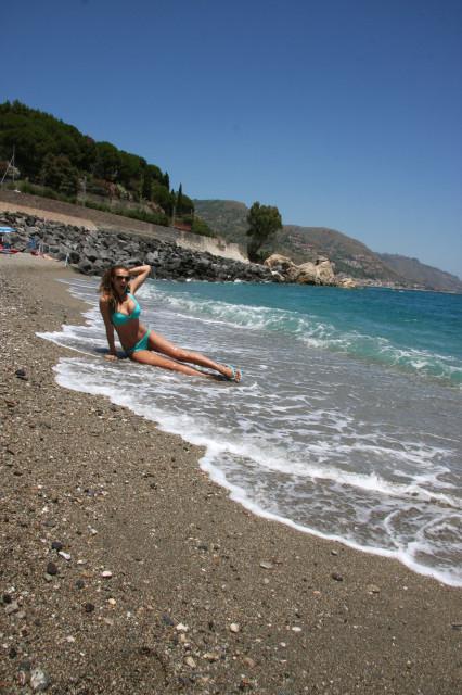 Лучшие пляжные фотографии алены Водонаевой