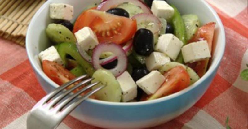 Греческий деревенский салат (хориатики)