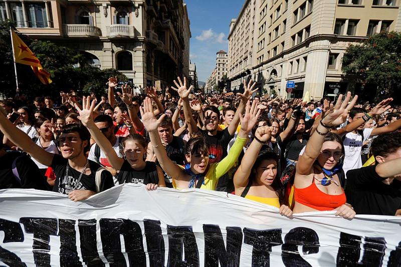 Вот так выглядит Барселона сегодня! Этот народ нельзя запугать!!! Молодцы!