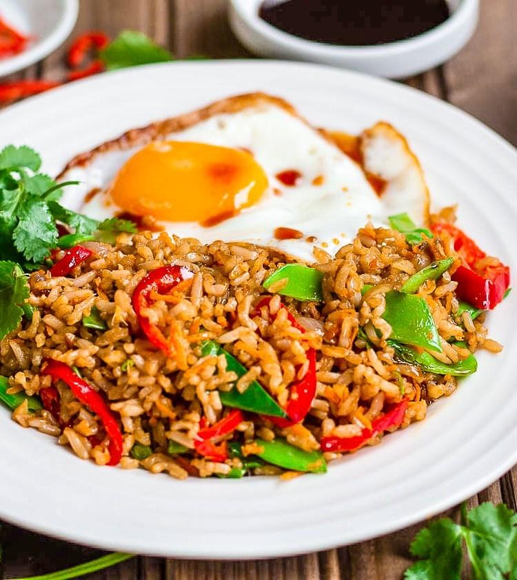 Наси горенг -- жареный рис по-малайски
