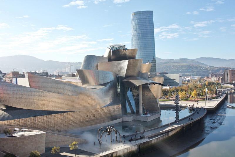 Музей фонда Гуггенхейма в Бильбао