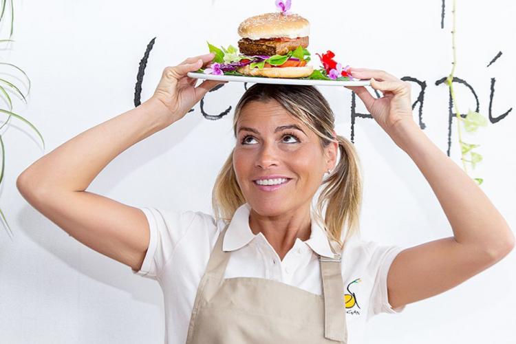 Несколько слов в защиту гамбургера, или «Фаст-фуд для фаст-лайф»