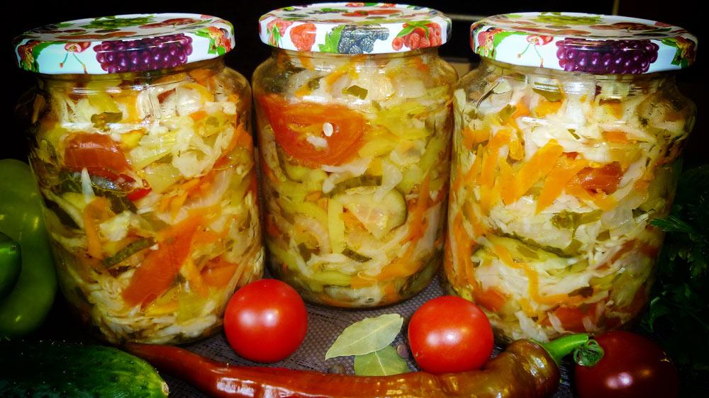 Салат «Кубанский» на зиму из капусты и огурцов