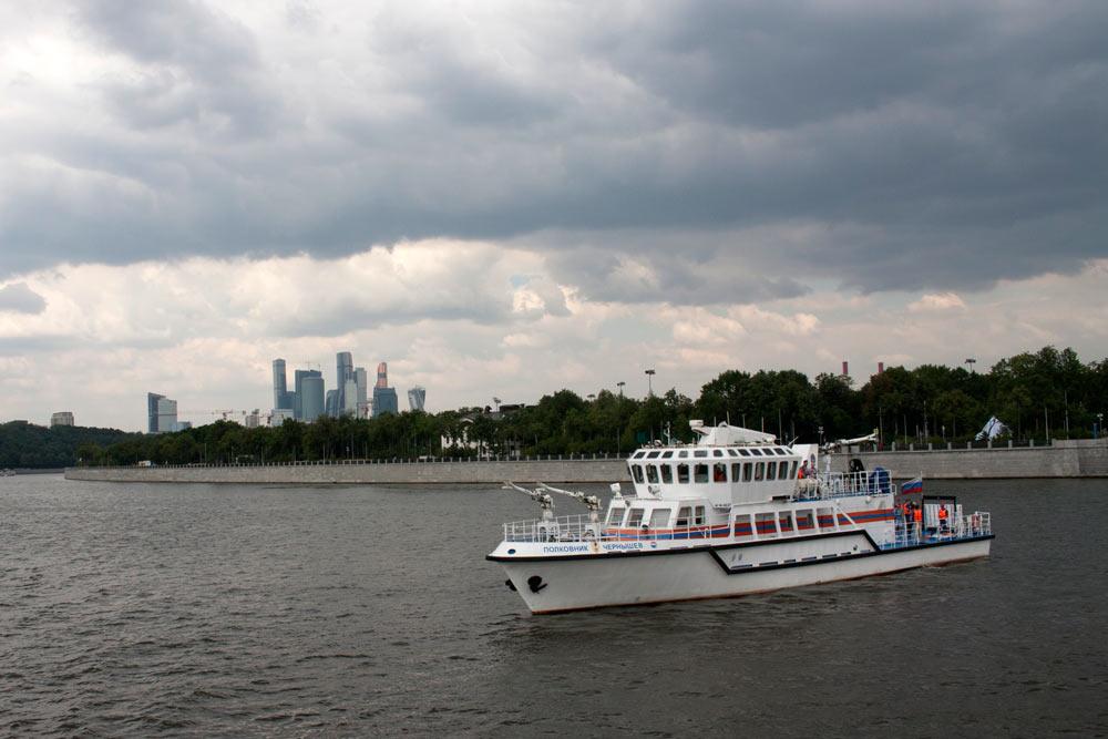 Полковник Чернышев - уникальный корабль московских спасателей