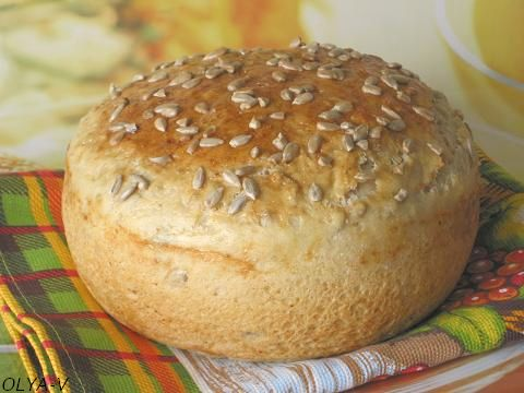 Хлеб с семечками подсолнуха