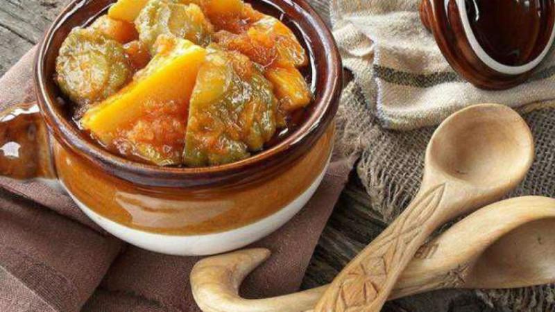 Заготовки на зиму: кабачки по-татарски с яблоком – рецепт