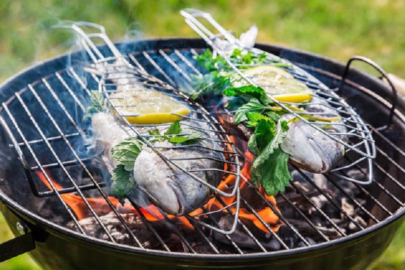 Шашлычный сезон. Жарим рыбу на мангале - 6 советов