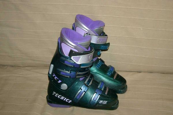 Горнолыжные ботинки TECNICA TC1 flex б/у для подростка или для девушки.