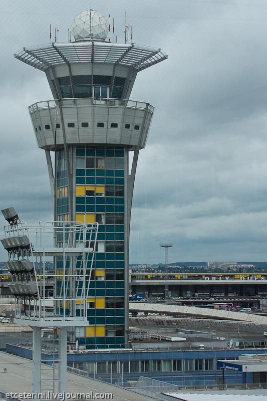 За ней – западный терминал 6