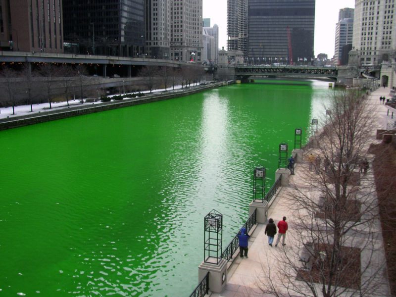 chicago-river-dyed-green-for-St.-Patricks-day