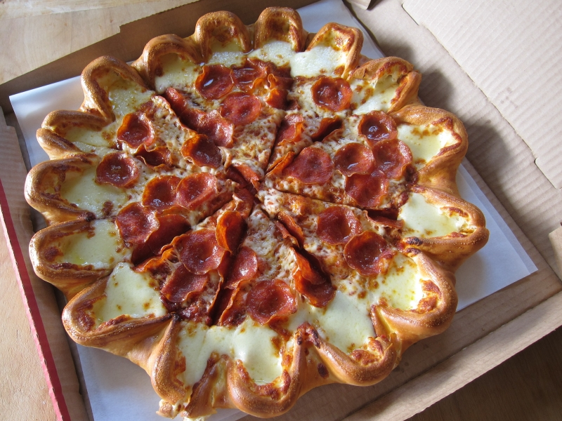 pizza-hut-cheesy-crazy-crust-01
