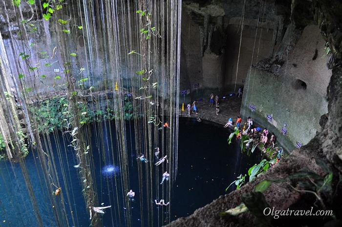 Cenote_Ik_Kil_13