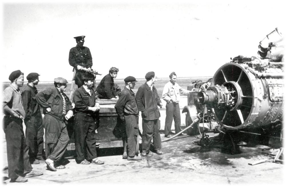Испытание установки для расконсервации двигателей 1962г